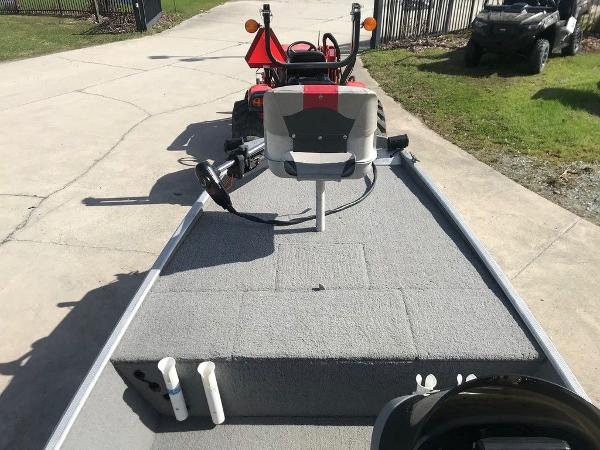 2010 Tracker Boats boat for sale, model of the boat is Pro 16 & Image # 11 of 12