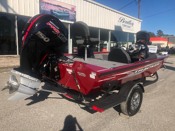 2021 Tracker Boats boat for sale, model of the boat is Pro Team 195 TXW Tournament Edition & Image # 3 of 33