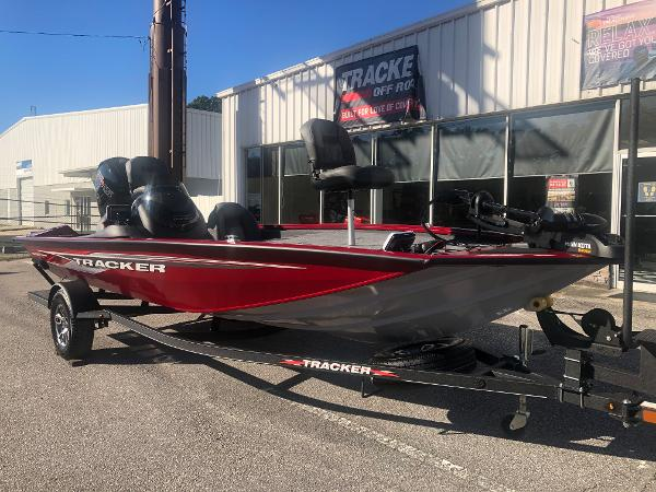 2021 Tracker Boats boat for sale, model of the boat is Pro Team 195 TXW Tournament Edition & Image # 5 of 33