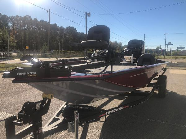 2021 Tracker Boats boat for sale, model of the boat is Pro Team 195 TXW Tournament Edition & Image # 1 of 33