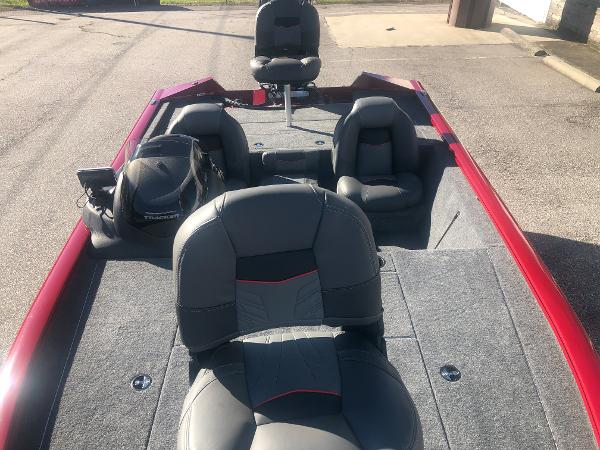 2021 Tracker Boats boat for sale, model of the boat is Pro Team 195 TXW Tournament Edition & Image # 9 of 33