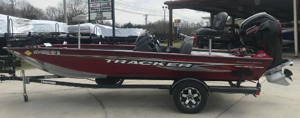 2020 Tracker Boats boat for sale, model of the boat is Pro Team™ 190 TX & Image # 1 of 13