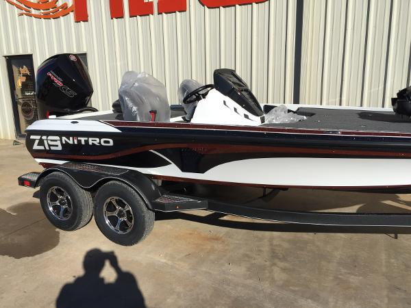 2021 Nitro boat for sale, model of the boat is Z19 Pro & Image # 2 of 19