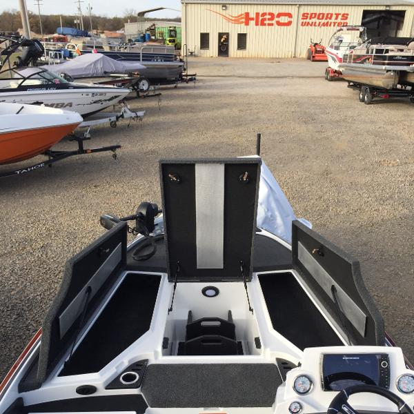 2021 Nitro boat for sale, model of the boat is Z19 Pro & Image # 9 of 19