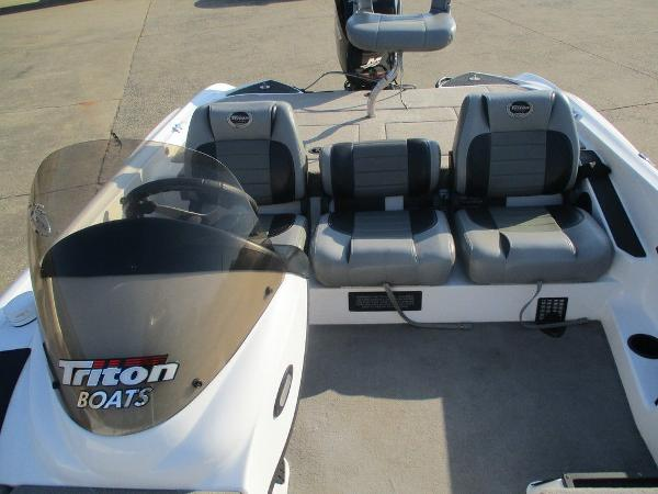 2008 Triton boat for sale, model of the boat is 17 Explorer & Image # 4 of 12