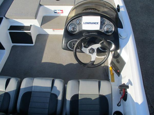 2008 Triton boat for sale, model of the boat is 17 Explorer & Image # 7 of 12