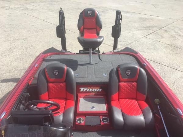 2018 Triton boat for sale, model of the boat is 21 TRX & Image # 4 of 10