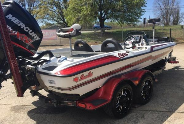 2015 Bass Cat Boats boat for sale, model of the boat is Cougar FTD & Image # 4 of 10