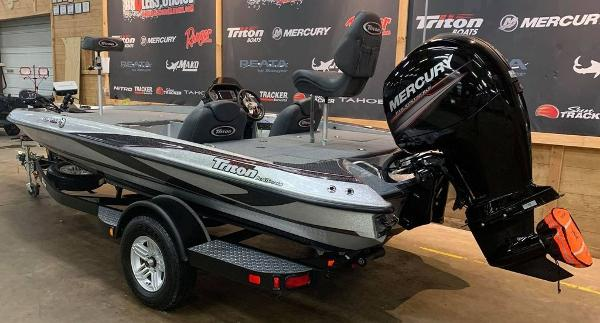 2016 Triton boat for sale, model of the boat is 189 TRX & Image # 2 of 15