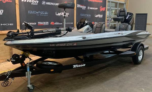 2016 Triton boat for sale, model of the boat is 189 TRX & Image # 6 of 15