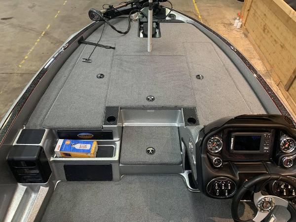 2016 Triton boat for sale, model of the boat is 189 TRX & Image # 9 of 15