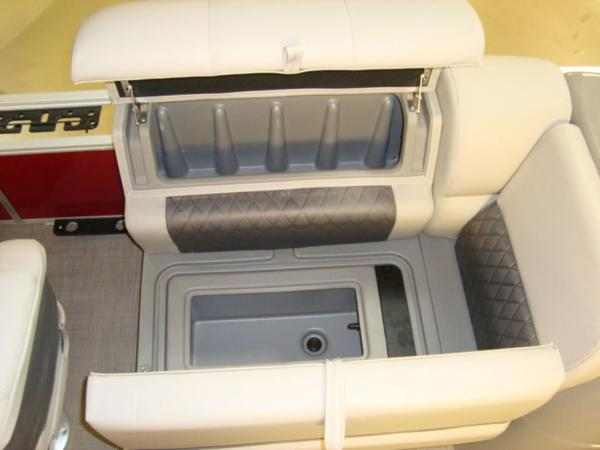 2020 Sun Tracker boat for sale, model of the boat is FISHIN' BARGE® 20 DLX & Image # 21 of 26