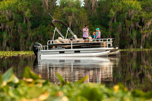 2021 Sun Tracker boat for sale, model of the boat is BASS BUGGY 16 XL SELECT & Image # 2 of 87