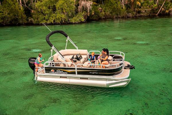 2021 Sun Tracker boat for sale, model of the boat is BASS BUGGY 16 XL SELECT & Image # 7 of 87
