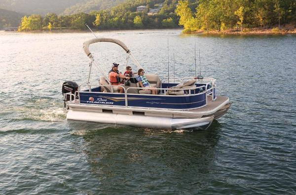 2021 Sun Tracker boat for sale, model of the boat is BASS BUGGY 16 XL SELECT & Image # 9 of 87