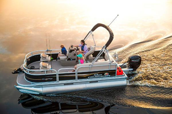 2021 Sun Tracker boat for sale, model of the boat is BASS BUGGY 16 XL SELECT & Image # 10 of 87