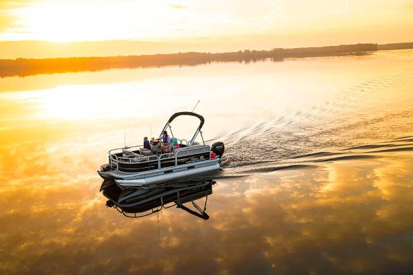 2021 Sun Tracker boat for sale, model of the boat is BASS BUGGY 16 XL SELECT & Image # 11 of 87
