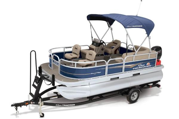 2021 Sun Tracker boat for sale, model of the boat is BASS BUGGY 16 XL SELECT & Image # 20 of 87