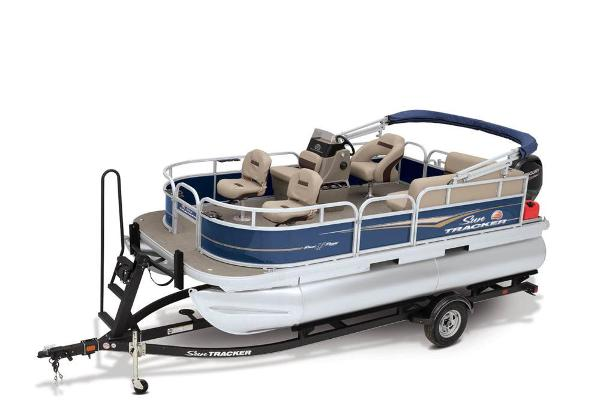 2021 Sun Tracker boat for sale, model of the boat is BASS BUGGY 16 XL SELECT & Image # 21 of 87