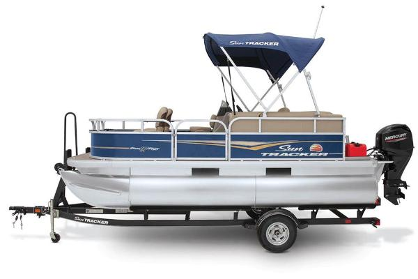 2021 Sun Tracker boat for sale, model of the boat is BASS BUGGY 16 XL SELECT & Image # 36 of 45