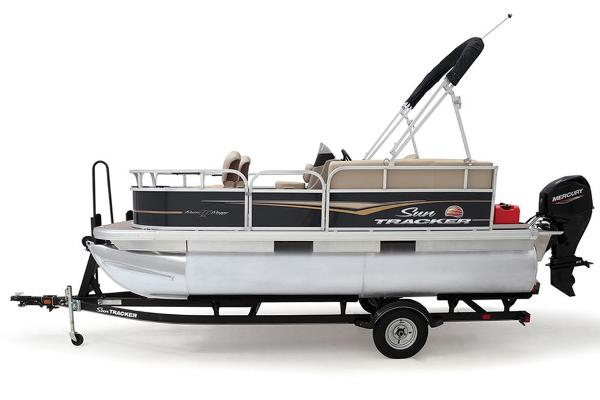 2021 Sun Tracker boat for sale, model of the boat is BASS BUGGY 16 XL SELECT & Image # 25 of 87