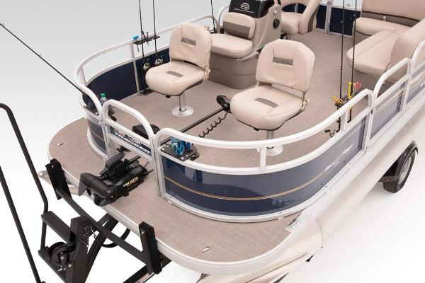 2021 Sun Tracker boat for sale, model of the boat is BASS BUGGY 16 XL SELECT & Image # 43 of 87