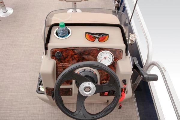 2021 Sun Tracker boat for sale, model of the boat is BASS BUGGY 16 XL SELECT & Image # 50 of 87