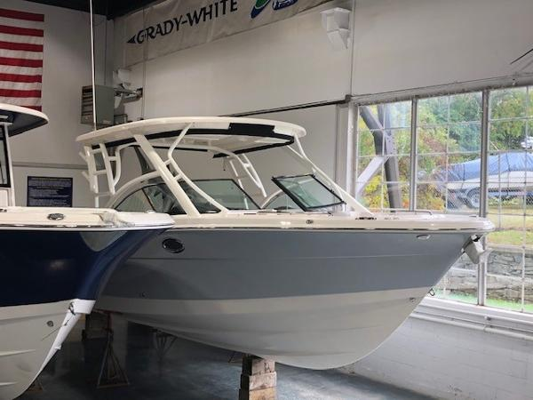 2020 ROBALO R317 for sale