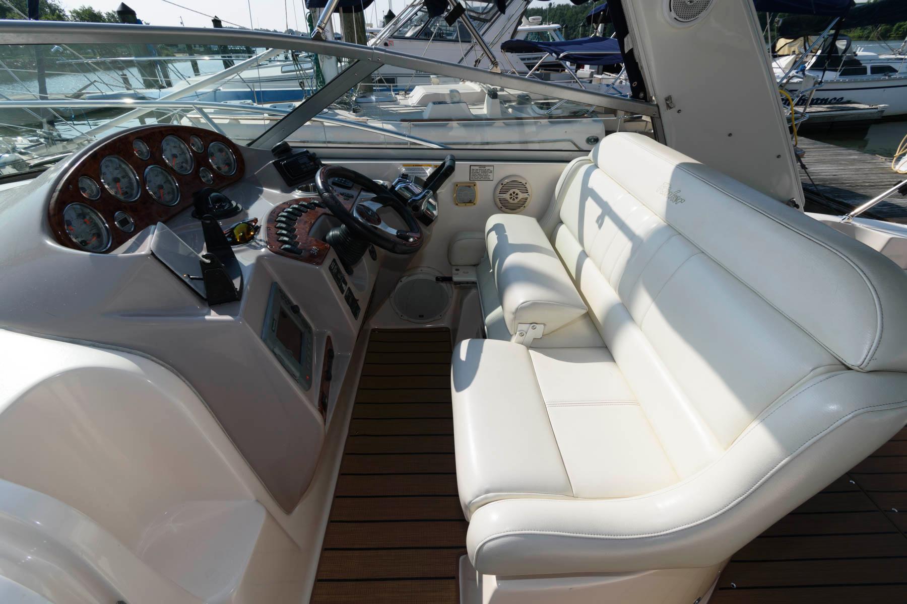 M 6415 JB Knot 10 Yacht Sales