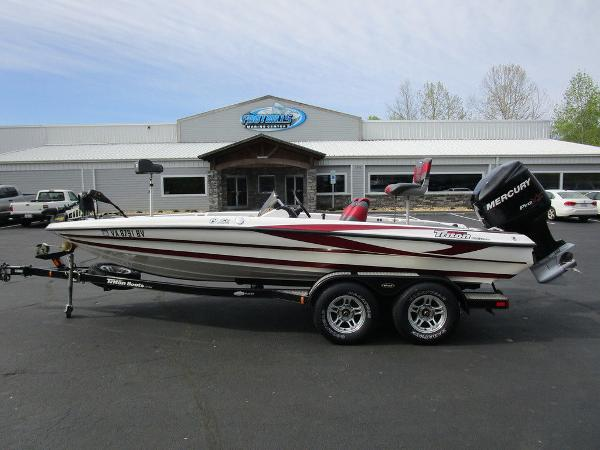 2011 Triton boat for sale, model of the boat is 19SE & Image # 1 of 49