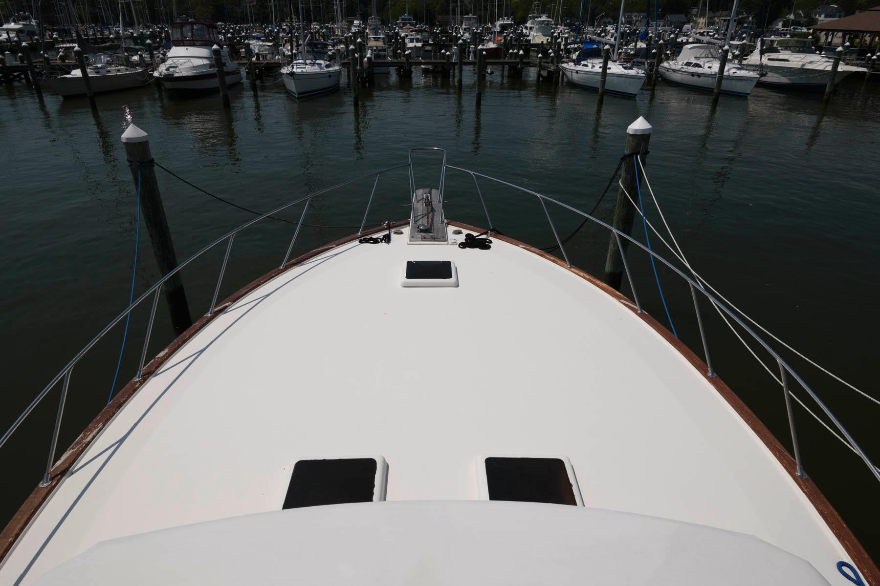 M 6364 MD Knot 10 Yacht Sales