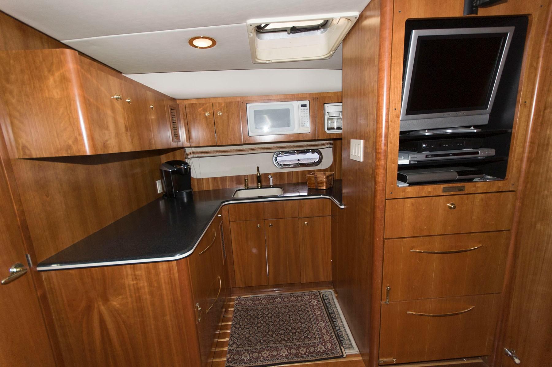 M 4626 TW Knot 10 Yacht Sales