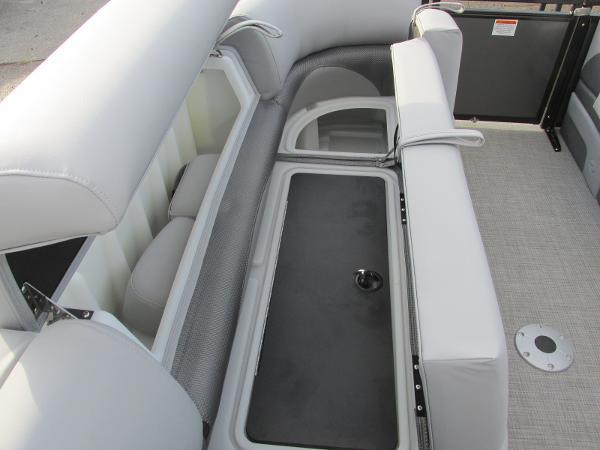 2021 Regency boat for sale, model of the boat is 230 DL3 & Image # 12 of 31