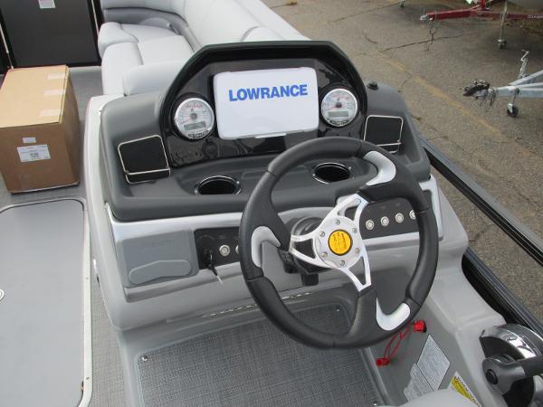 2021 Regency boat for sale, model of the boat is 230 DL3 & Image # 23 of 31