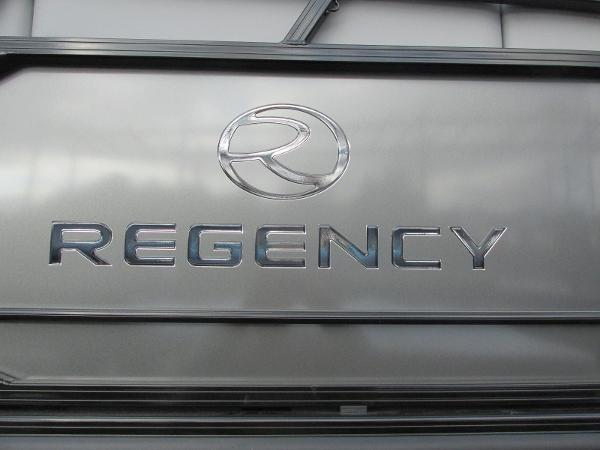 2021 Regency boat for sale, model of the boat is 230 DL3 & Image # 29 of 31