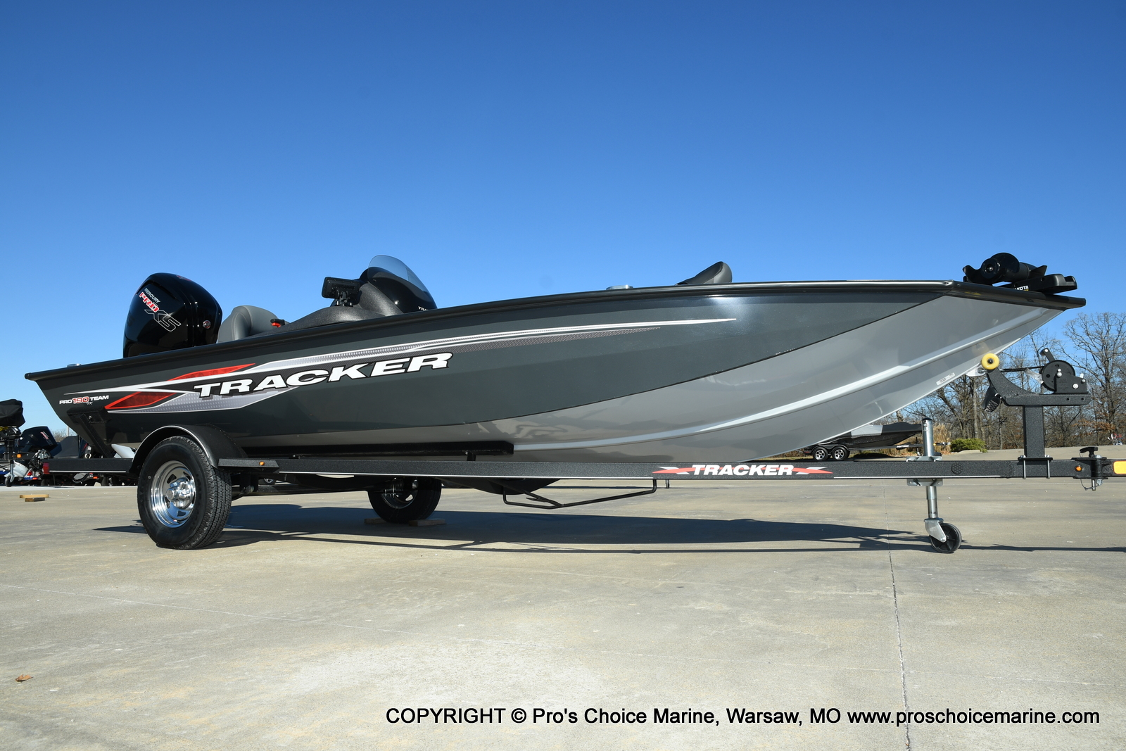 2021 Tracker Boats boat for sale, model of the boat is Pro Team 190 TX & Image # 1 of 50