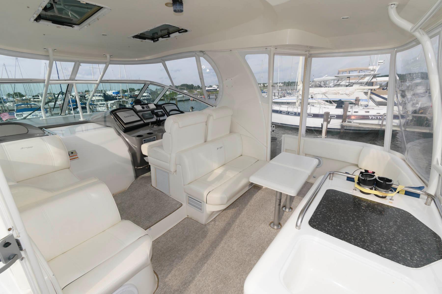 M 6372 EF Knot 10 Yacht Sales