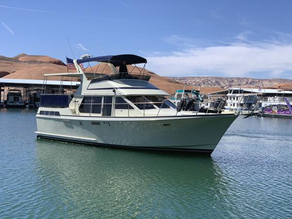 1985 Tollycraft Sundeck Motor Yacht