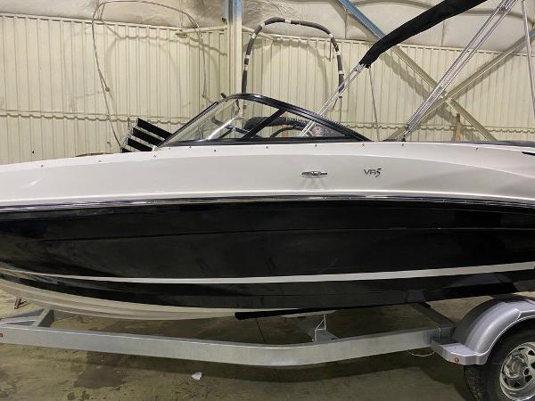 2021 Bayliner boat for sale, model of the boat is VR5 & Image # 1 of 8