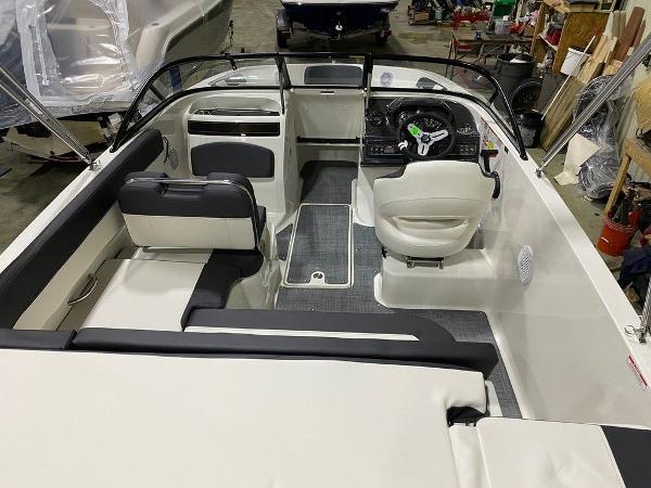 2021 Bayliner boat for sale, model of the boat is VR5 & Image # 3 of 8