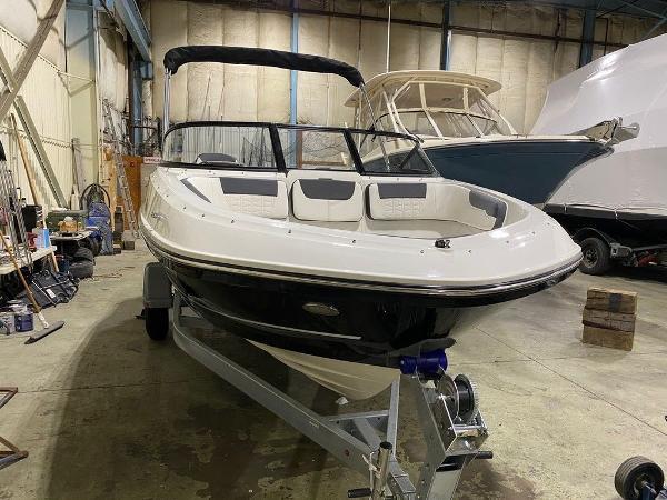 2021 Bayliner boat for sale, model of the boat is VR5 & Image # 4 of 8