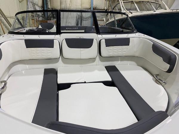 2021 Bayliner boat for sale, model of the boat is VR5 & Image # 6 of 8