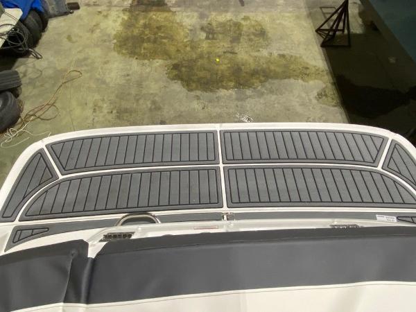2021 Bayliner boat for sale, model of the boat is VR5 & Image # 7 of 8