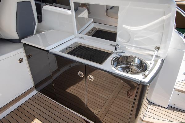 Princess Motor Yacht Sales - Used Princess V39