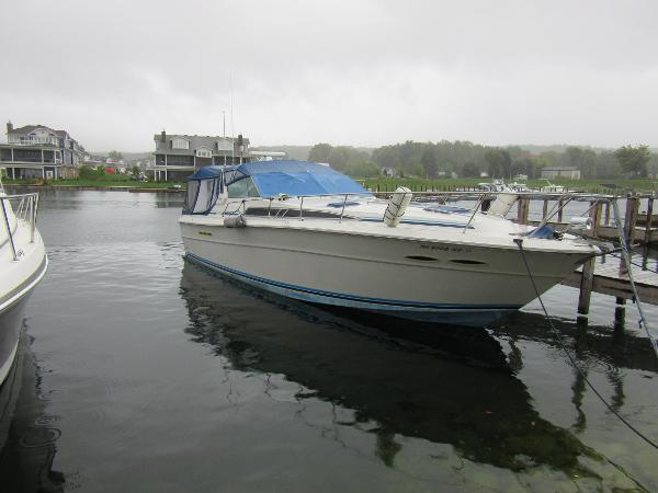 1987 SEA RAY 390 Express Cruiser thumbnail