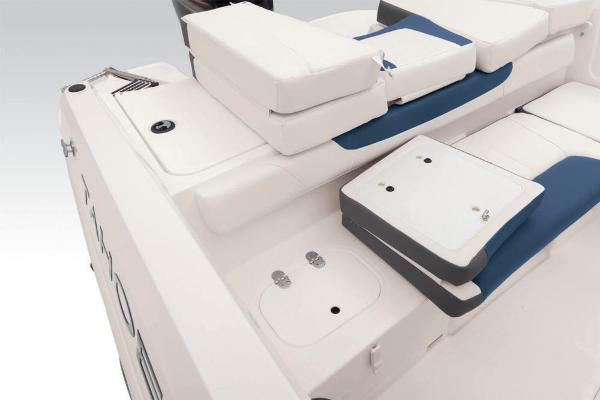 2021 Tahoe boat for sale, model of the boat is 450 TS & Image # 40 of 60