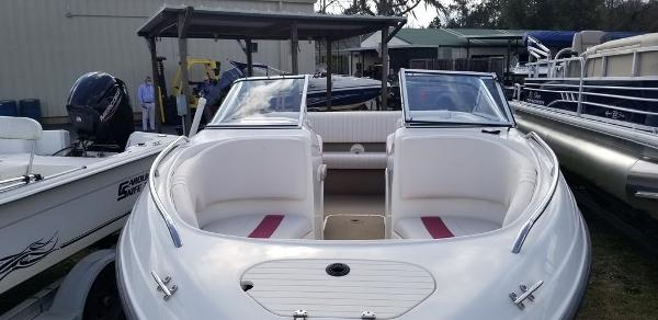 2000 Chaparral boat for sale, model of the boat is 200 SSe & Image # 2 of 5