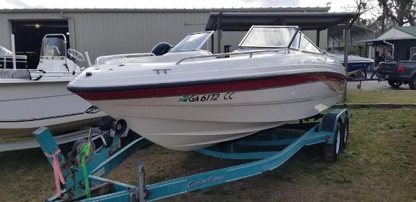 2000 Chaparral boat for sale, model of the boat is 200 SSe & Image # 5 of 5