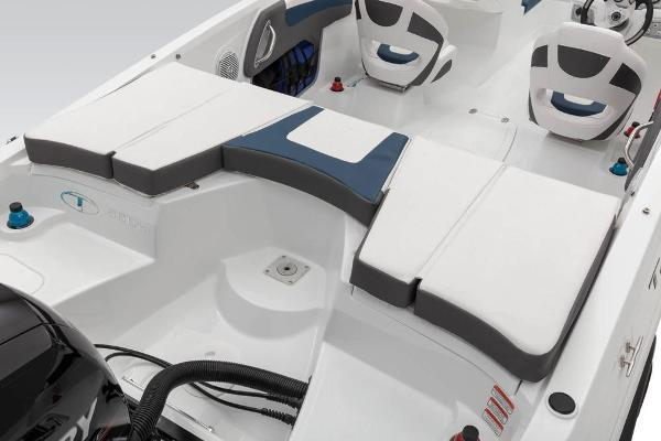 2021 Tahoe boat for sale, model of the boat is 550 TS & Image # 39 of 67