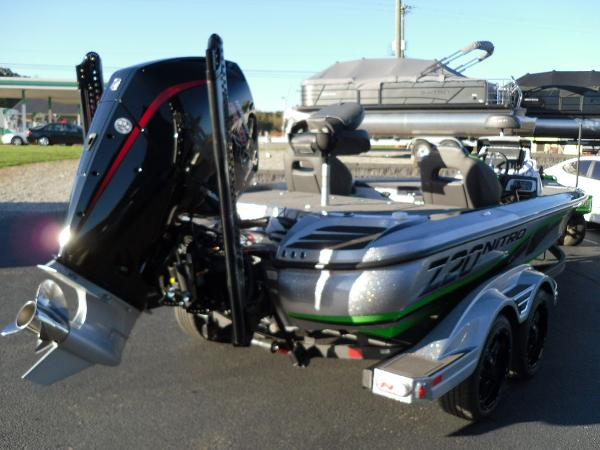2021 Nitro boat for sale, model of the boat is Z20 Pro & Image # 4 of 52